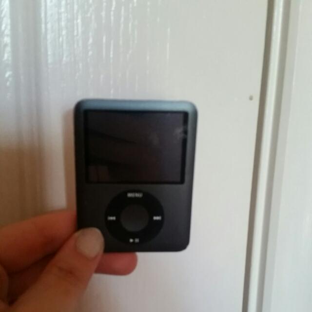 BLACK IPOD NANO 8GB PRICE DROP
