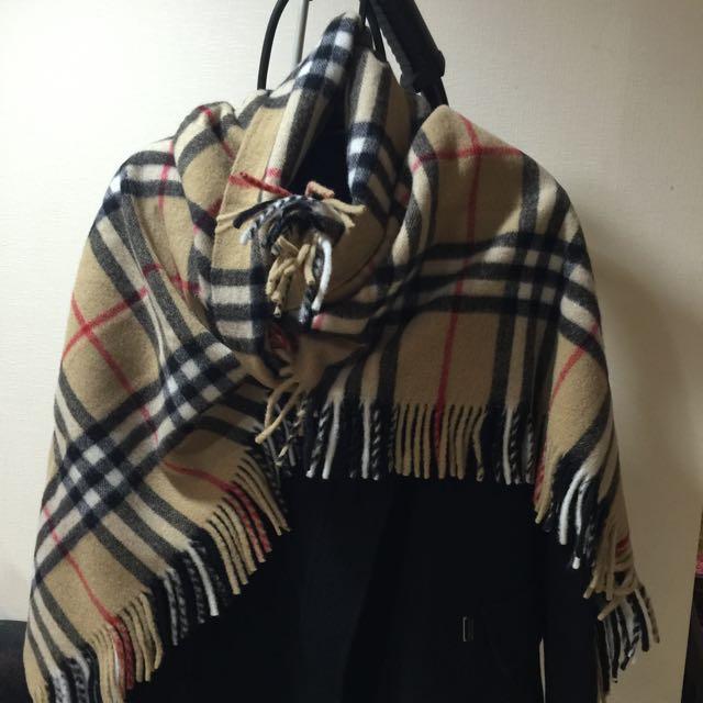 Burburry 批巾 純羊毛 時尚保暖 大人小孩都適用 近全新