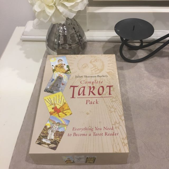 Complete Tarot Pack (Book And Cards)