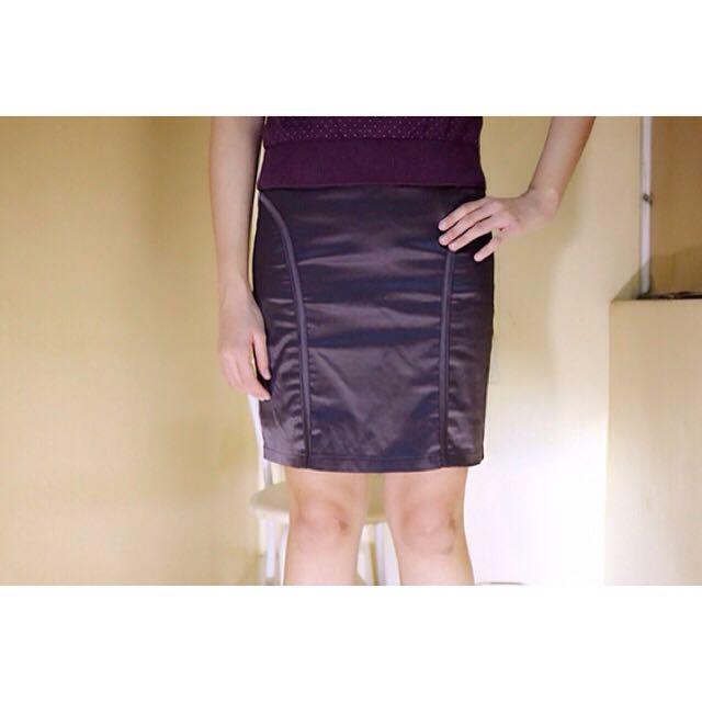 OL人生💄美麗與專業兼具 知性灰 亮面窄裙