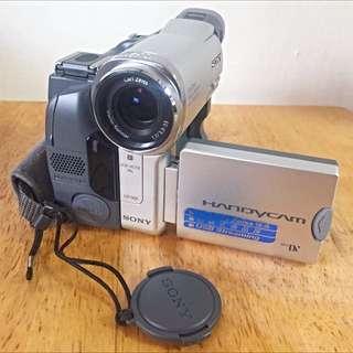 錄影機 v8 ( Sony 的 dcr-hc14e )