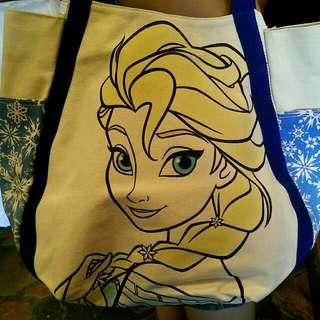 正版Disney迪士尼,冰雪奇緣女王Elsa艾莎款白色厚帆布硬挺典雅肩背托特包。