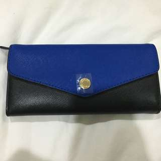 Michael Kors Envelope Wallet in Black and Blue
