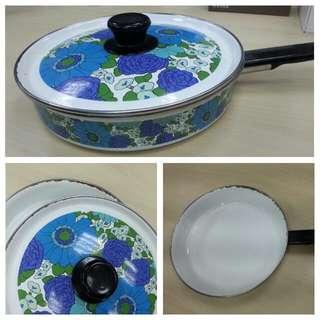 藍色復古花紋琺瑯平底鍋26cm