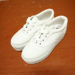 韓版 - 厚底小白鞋