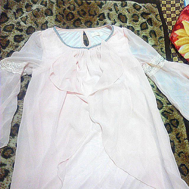 淡粉紅雪紡紗上衣