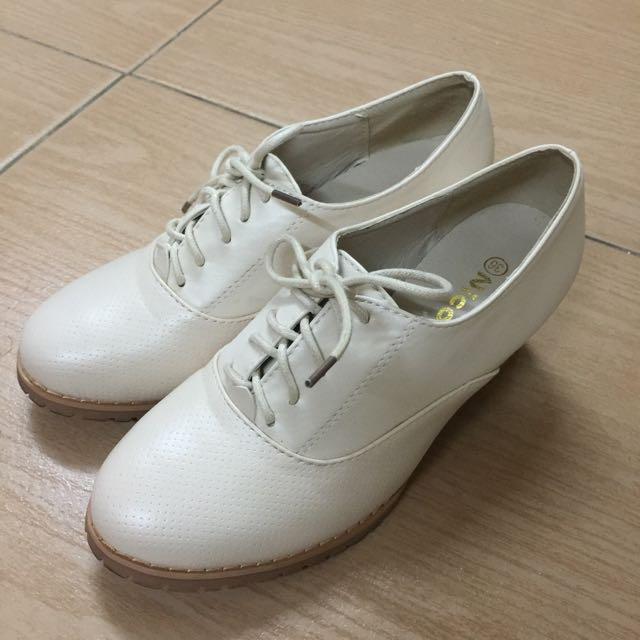 小白跟鞋 朴荷款 36號 23號