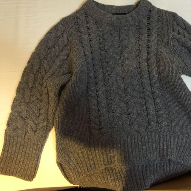灰色 麻花厚毛衣