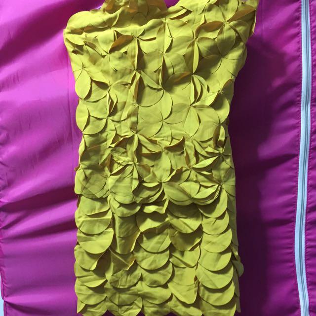 Dress (yellow)