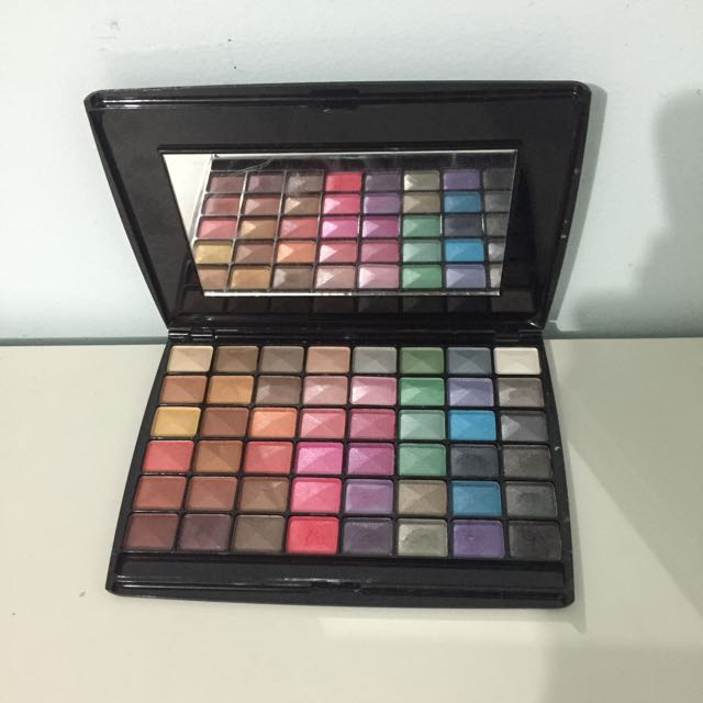 DB Eyeshadow Palette