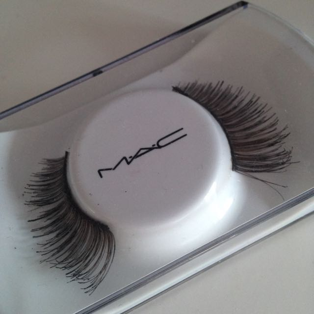 M.A.C false Lashes