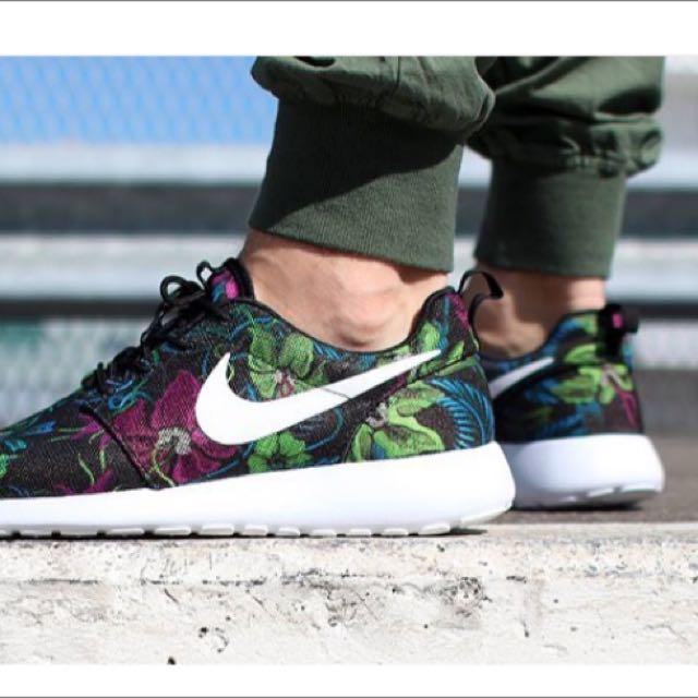 d1b564dbd925 Nike Roshe Run Jacquard   Floral (ORI  No Kw)