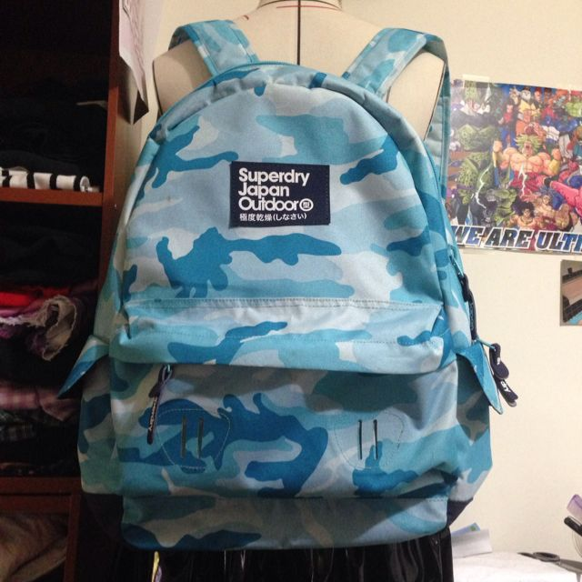 降價~~Superdry 藍色迷彩後背包