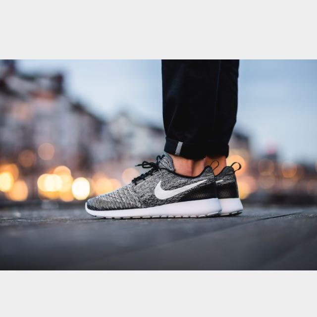 purchase cheap 98bed 6bfc5 Women's Nike Roshe One Flyknit In Black, Women's Fashion on ...