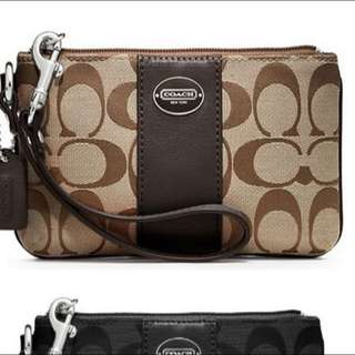 Brand New Authentic Coach Wristlet Serial:49323b