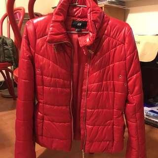H&M紅色類羽絨外套