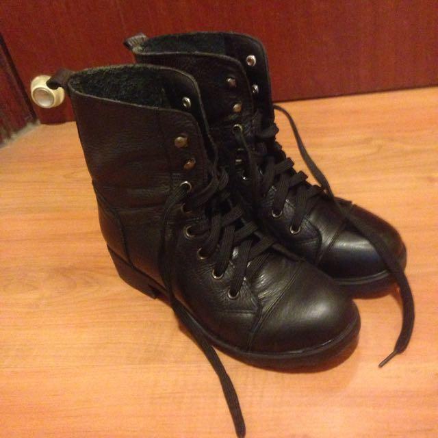 基本款軍靴
