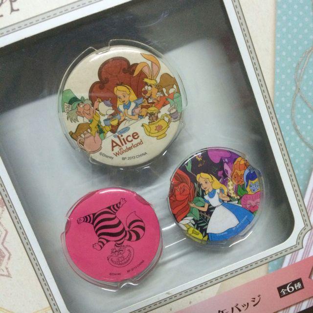 日本 迪士尼 一番賞 愛麗絲夢遊仙境 愛麗絲 時間兔 妙妙貓 胸章 別針 收藏變賣