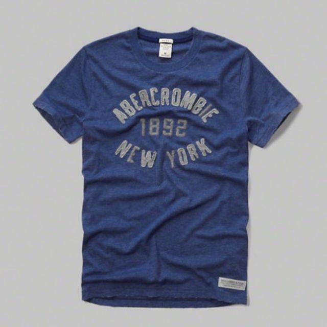 {型鹿}[現貨!] A&F Distressed Applique Logo Grap 藍色文字刺繡 Tee S*1
