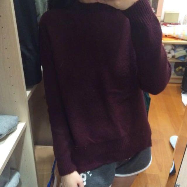 GU酒紅色針織毛衣