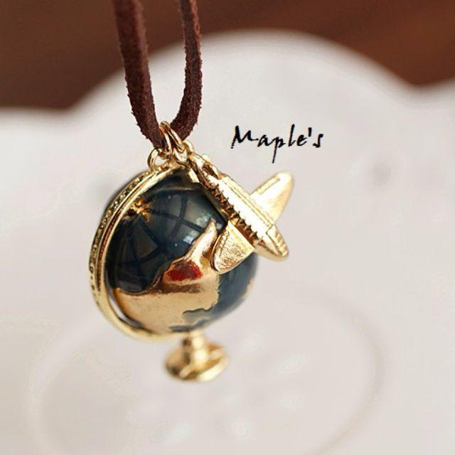 Maple's 日系手工釉彩飛機可轉動地球儀皮繩項鍊