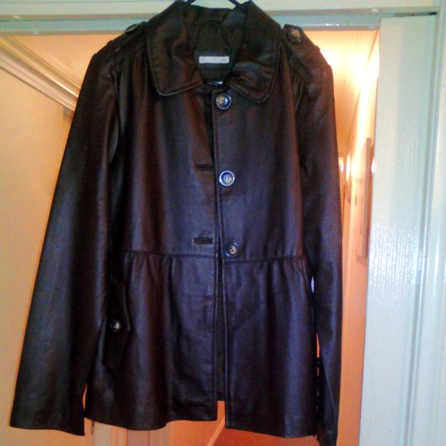 Size 14 Brown Leather Jacket Polyester Lining Great Condition Worn Once Still New Pockets As Well