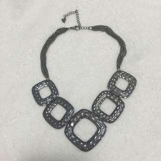 Lovely black necklace