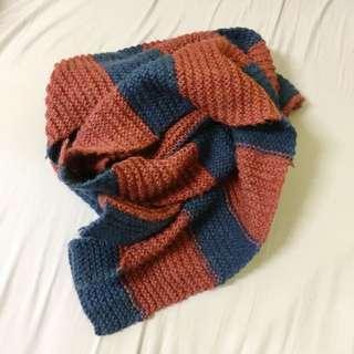 阿嬤親手織の圍巾😸