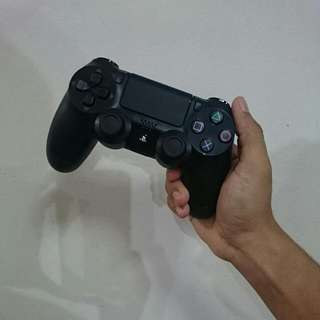 PS4 Dualshock 4 Controller [RESERVED]