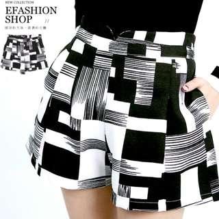 三件含郵【全新】eFashion小V幾何方塊中高腰短褲
