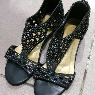 MAGY 二手-黑色鑽面涼鞋23.5吋