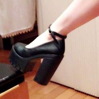 粗跟高跟鞋