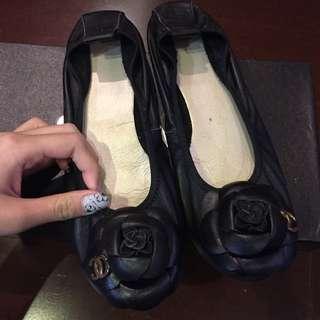 Chanel 山茶花娃娃鞋 黑色