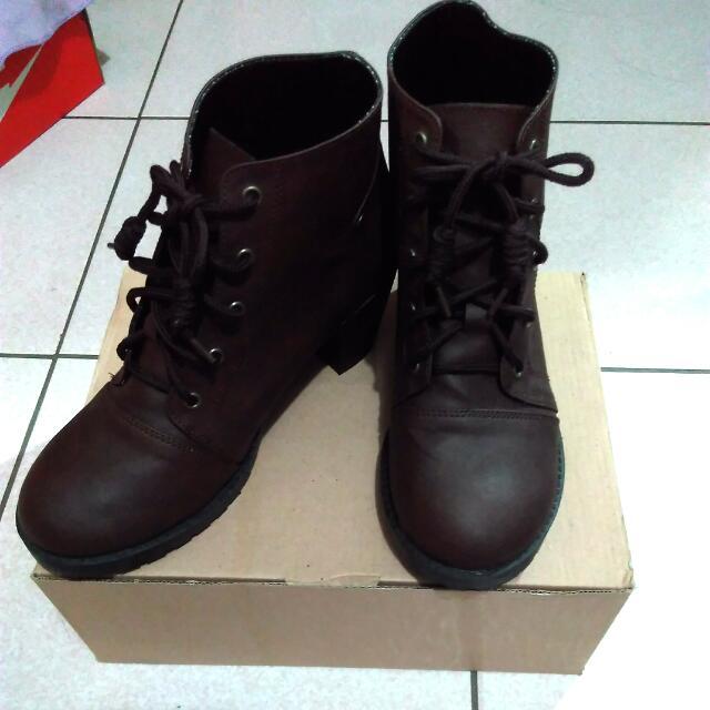 短靴 皮靴 粗根 綁帶 深棕色 深咖啡色