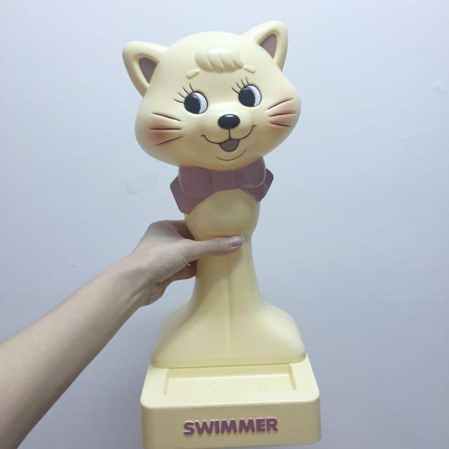日本帶回 Swimmer 貓咪 人檯 帽檯