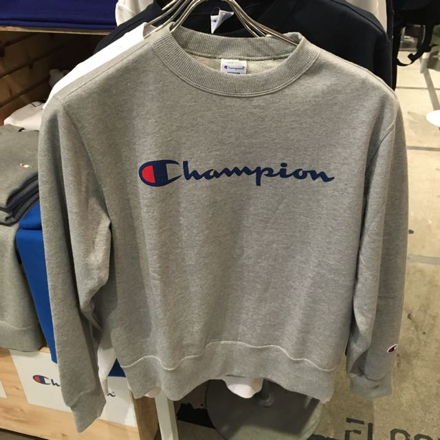 Champion 大學T