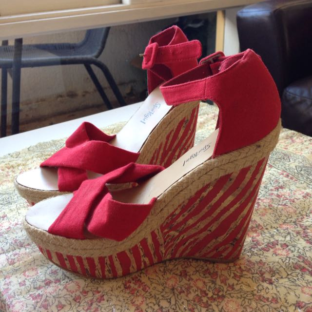 Sportsgirl Red Heeled Wedges | Size 8