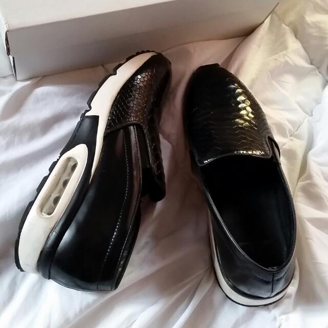 ZU shoes Black And White