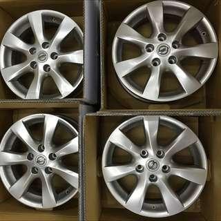 售Nissan NA Big Tiida原廠16寸輪框含輪胎9成新無傷