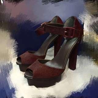 酒紅色 環扣高跟鞋