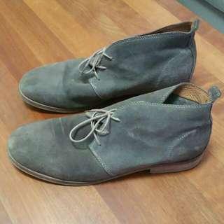 Pre-loved ZARA suede shoes