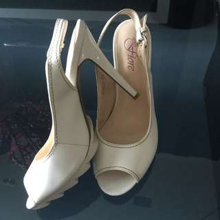 Real Leather Fiore White Heels Pumps Shoes Size 39/ 7