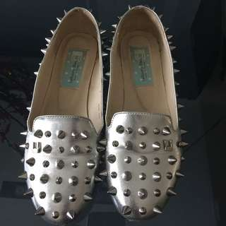 BN Le Bunny Lebunny Spikes Goth Shoes In Silver Size 245