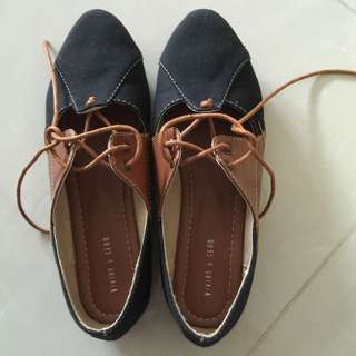 BN Canvas Shoes Size 7