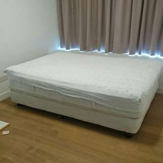 Superior Bed KINGSDOWN 190cm, 140cm, 60cm. Provide as it shown.