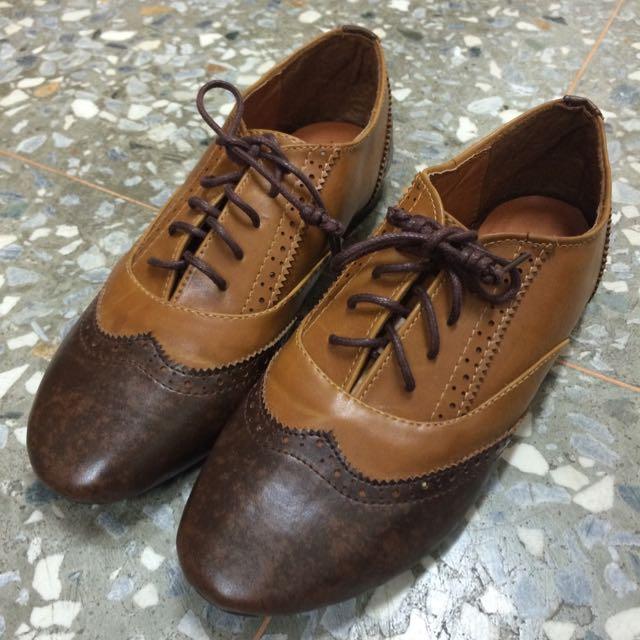 硬皮褐色牛津鞋-矮跟36號