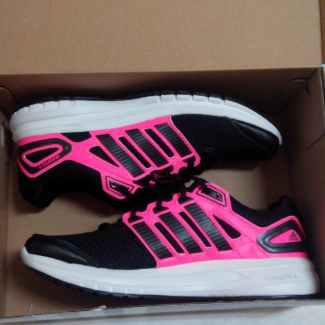 adidas慢跑鞋輕量運動鞋赤足