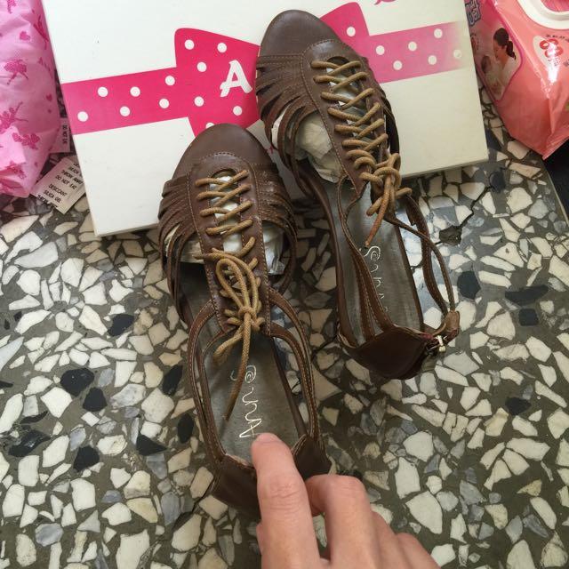 二手綁帶Ann's涼鞋8成新喔 只穿過一次而已