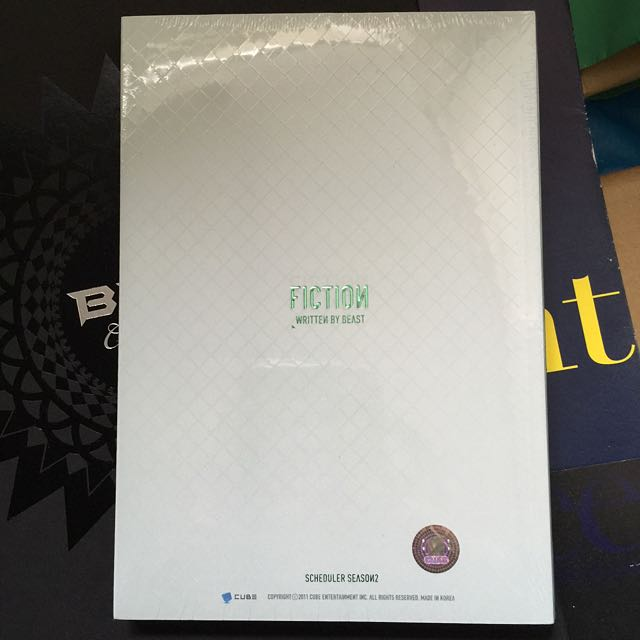 (全新)Beast B2ST Fiction 寫真冊 官方寫真 年曆寫真書