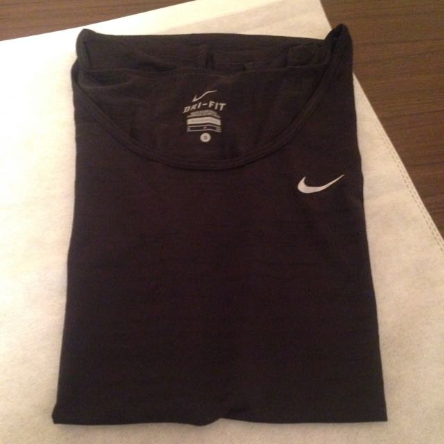 Nike DriFit 女生運動上衣(二手)